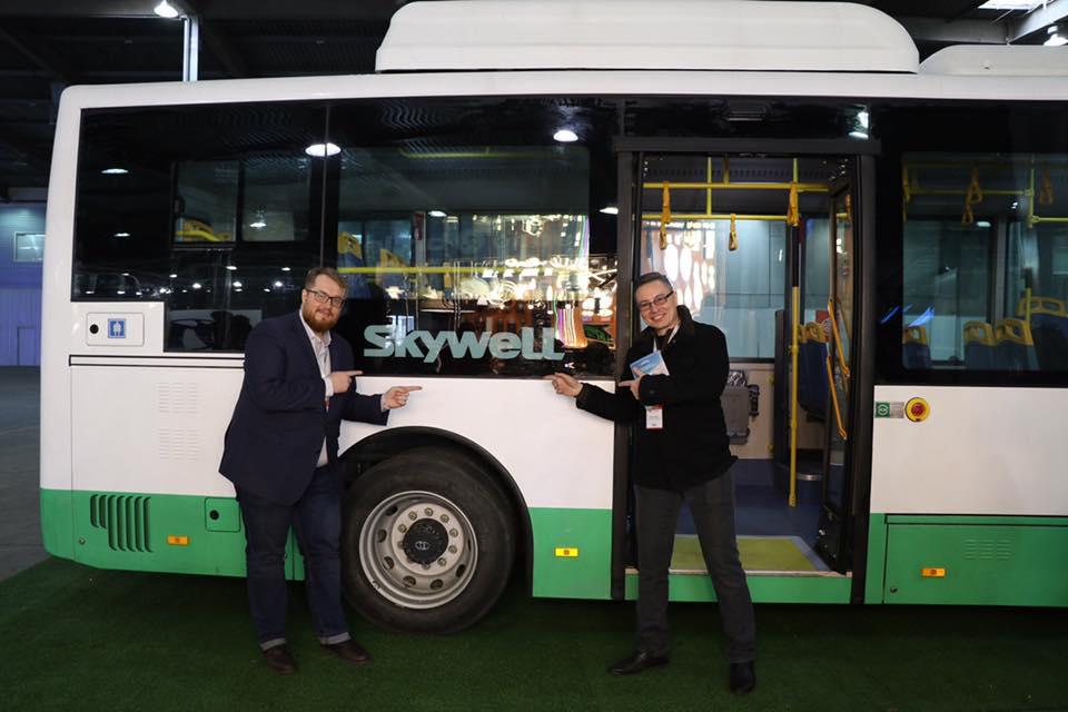 Абдуранимов и электробус Скайвел