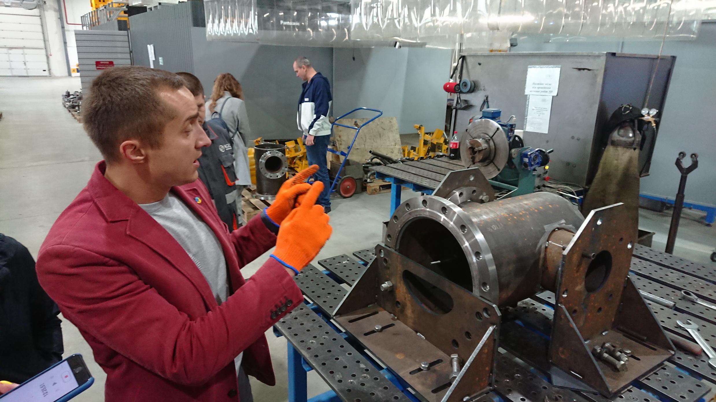 На «кондукторе» стоит будущий газовый фильтр