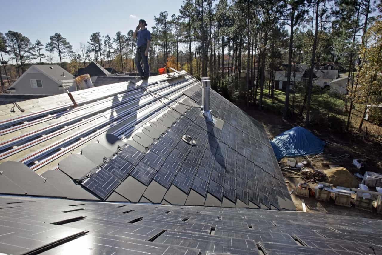 Tesla предлагает солнечные панели в аренду
