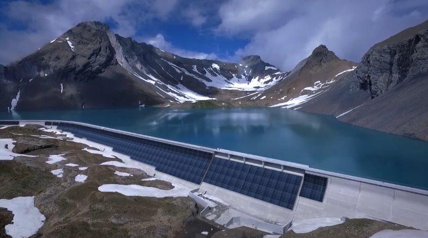 Дамбу в Альпах обустроят вертикальными солнечными панелями