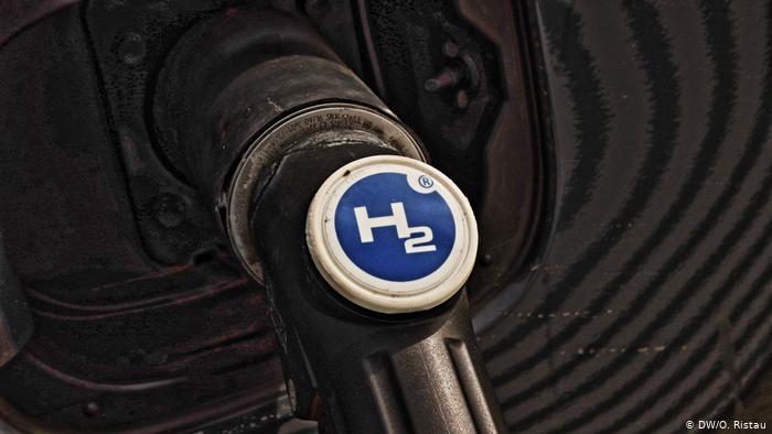 Виробники обіцяють різке зниження цін на електролізери і «зелений» водень