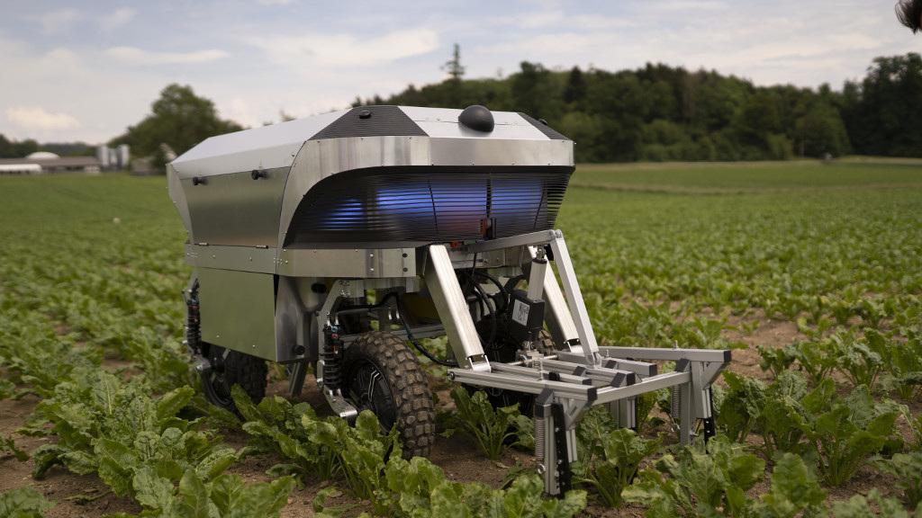 У Швейцарії презентували робота на сонячній електроенергії для сільськогосподарських робіт