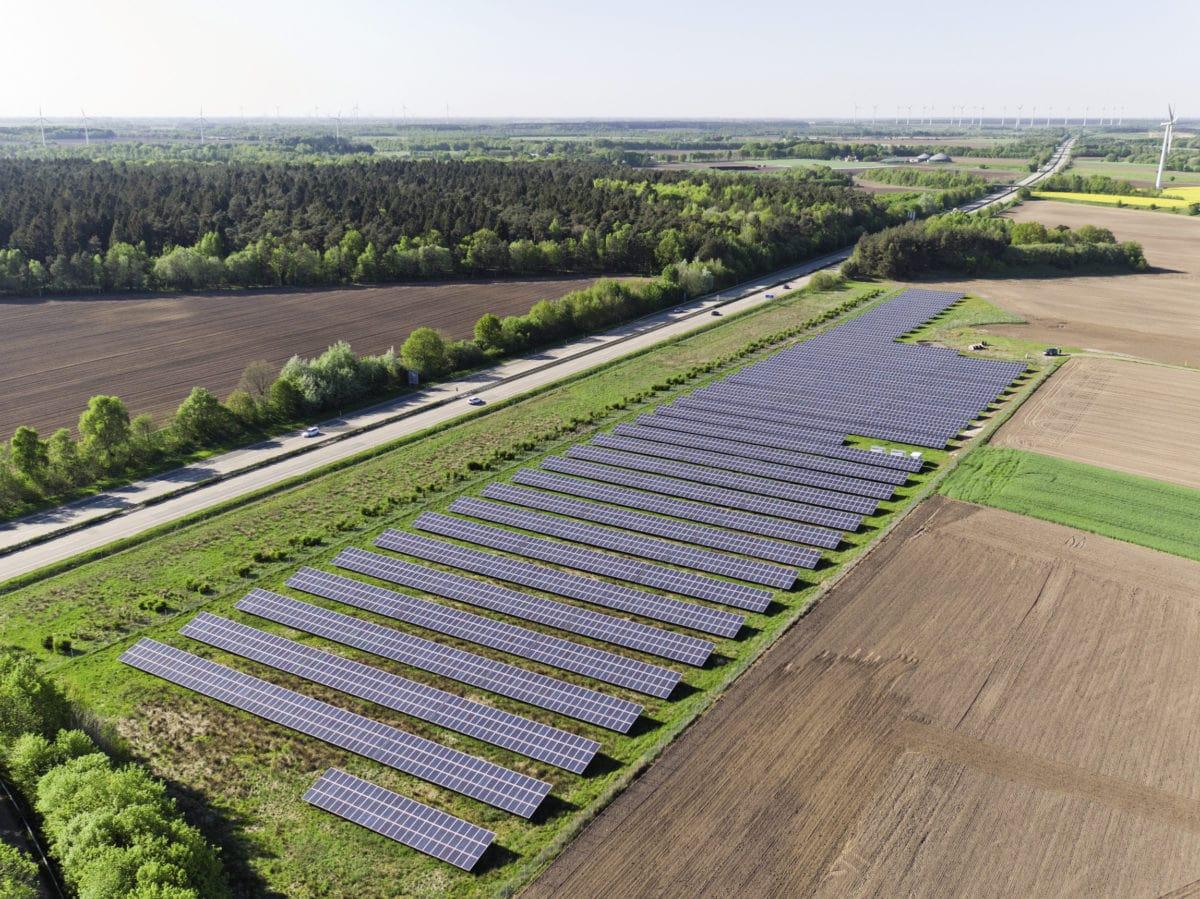 Ослабление карантинных мер помогло увеличить мощность СЭС в Германии в мае