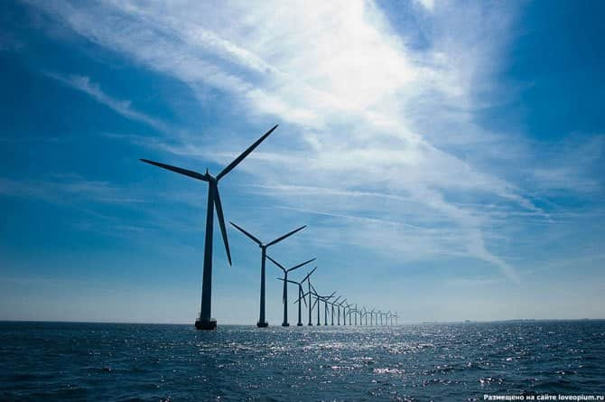 The Netherlands is building the largest wind farm on the lake
