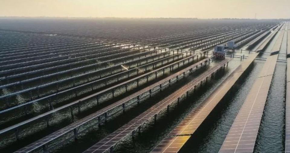 У Китаї побудували СЕС для вирощування риби
