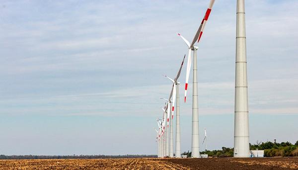 В РФ атомщики построили ветровую электростанцию