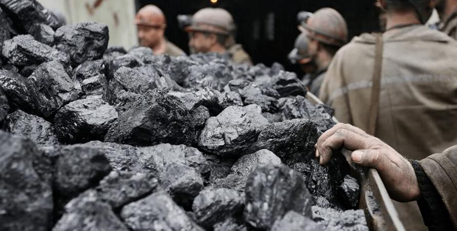 Укрэнерго: ситуация с накоплением угля на складах ТЭС остается критической
