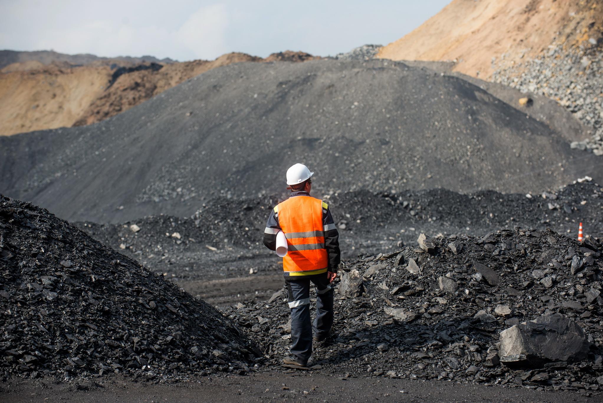 Закрытие шахт в Украине: стоит ли сейчас идти учиться на горного инженера