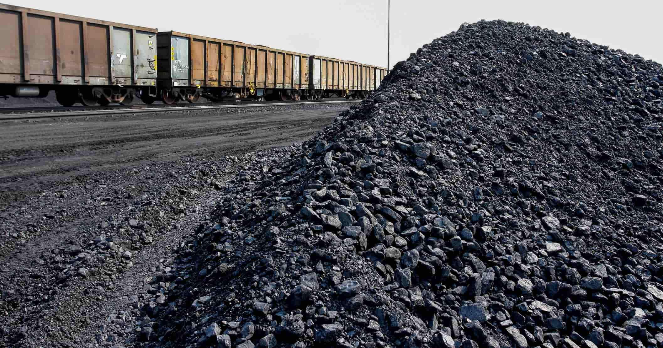 Казахстан зупинив поставки вугілля в Україну  через санкції РФ