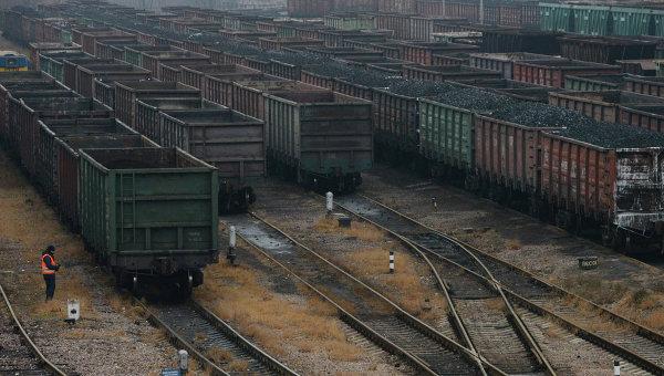 Казахстан жалуется, что РФ не позволяет ему поставлять уголь в Украину