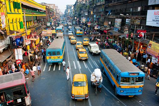 Урядовці Делі хочуть повністю перейти на електромобілі