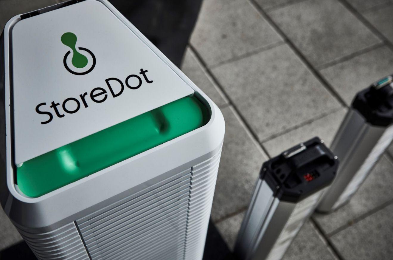 В Ізраїлі придумали батарею для електрокарів, що заряджається за п'ять хвилин