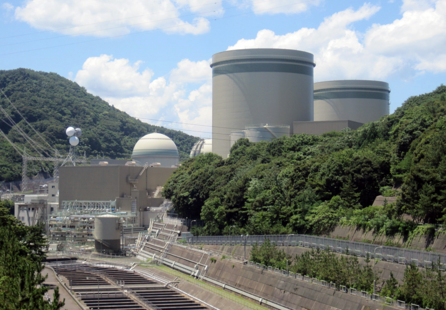 As Japan reboots ageing Mihama nuclear reactor, experts express concern