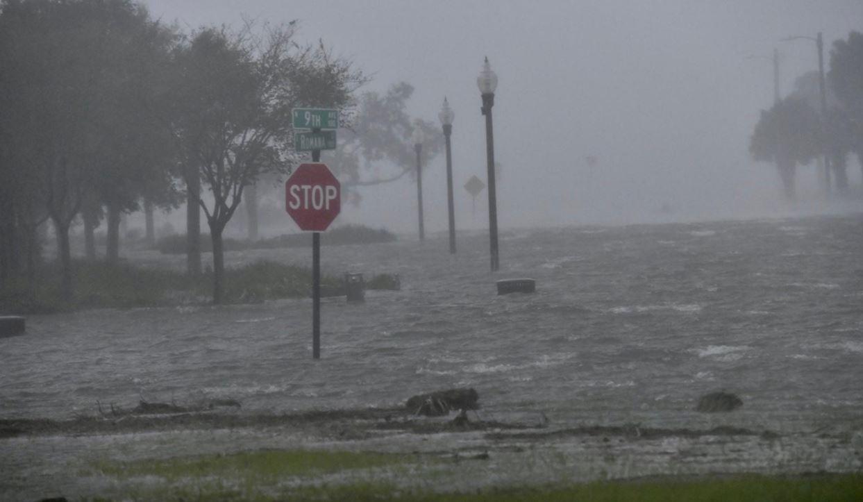 В США более 550 тысяч человек остались без света из-за урагана