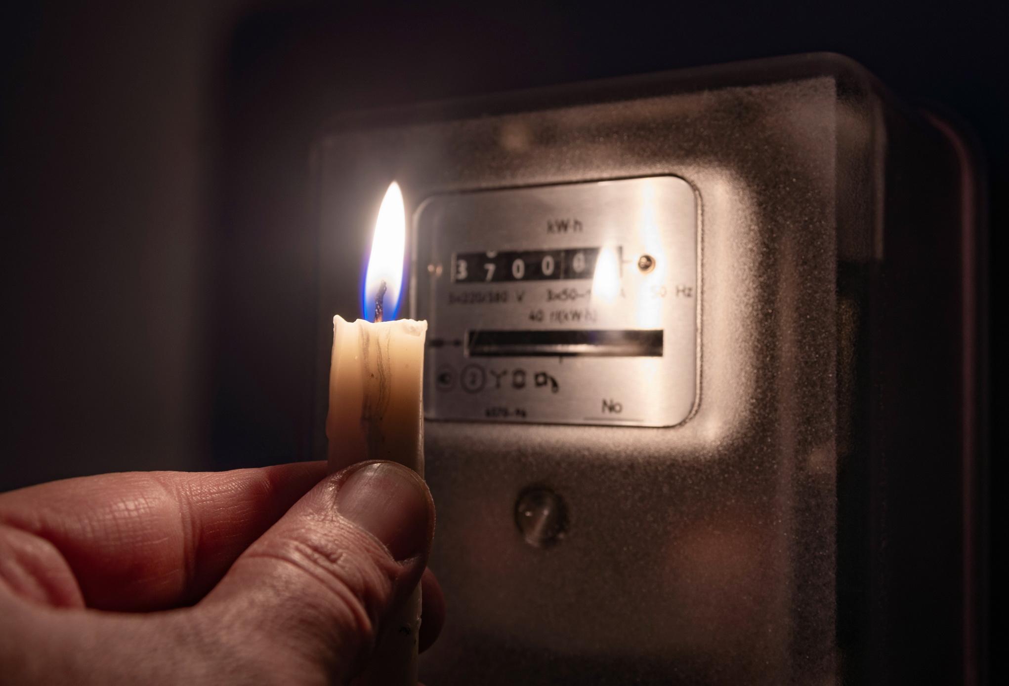 Отключили свет на сутки: как и почему облэнерго скрывают информацию об авариях