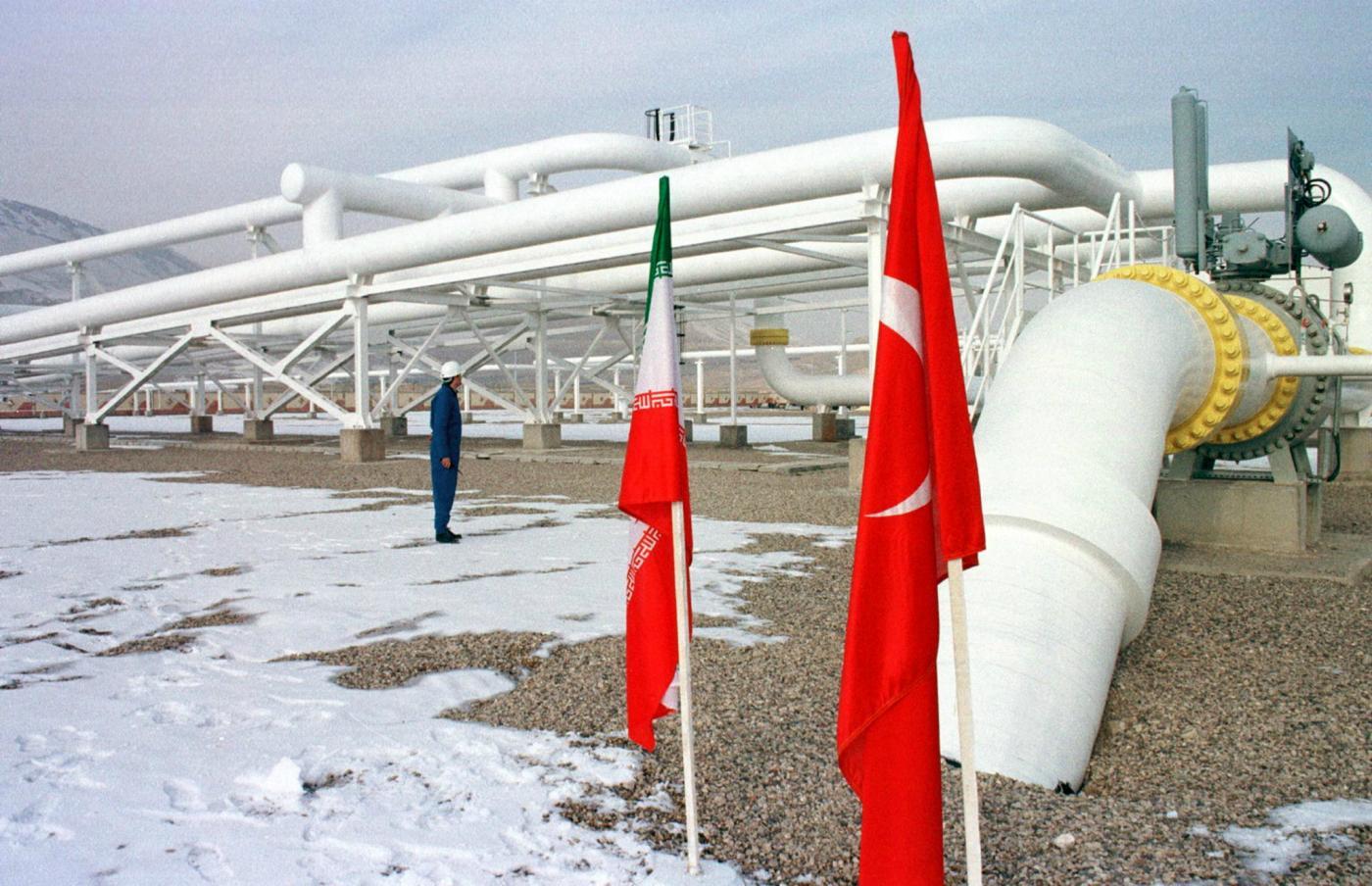 Reuters: Иран заявляет, что после нападения «террористов» экспорт природного газа в Турцию был приостановлен