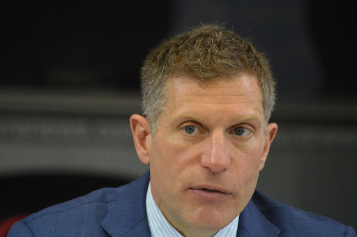 Голова наглядової ради Клер Споттісвуд не допускає Роберта Бенша до виконання його обов'язків