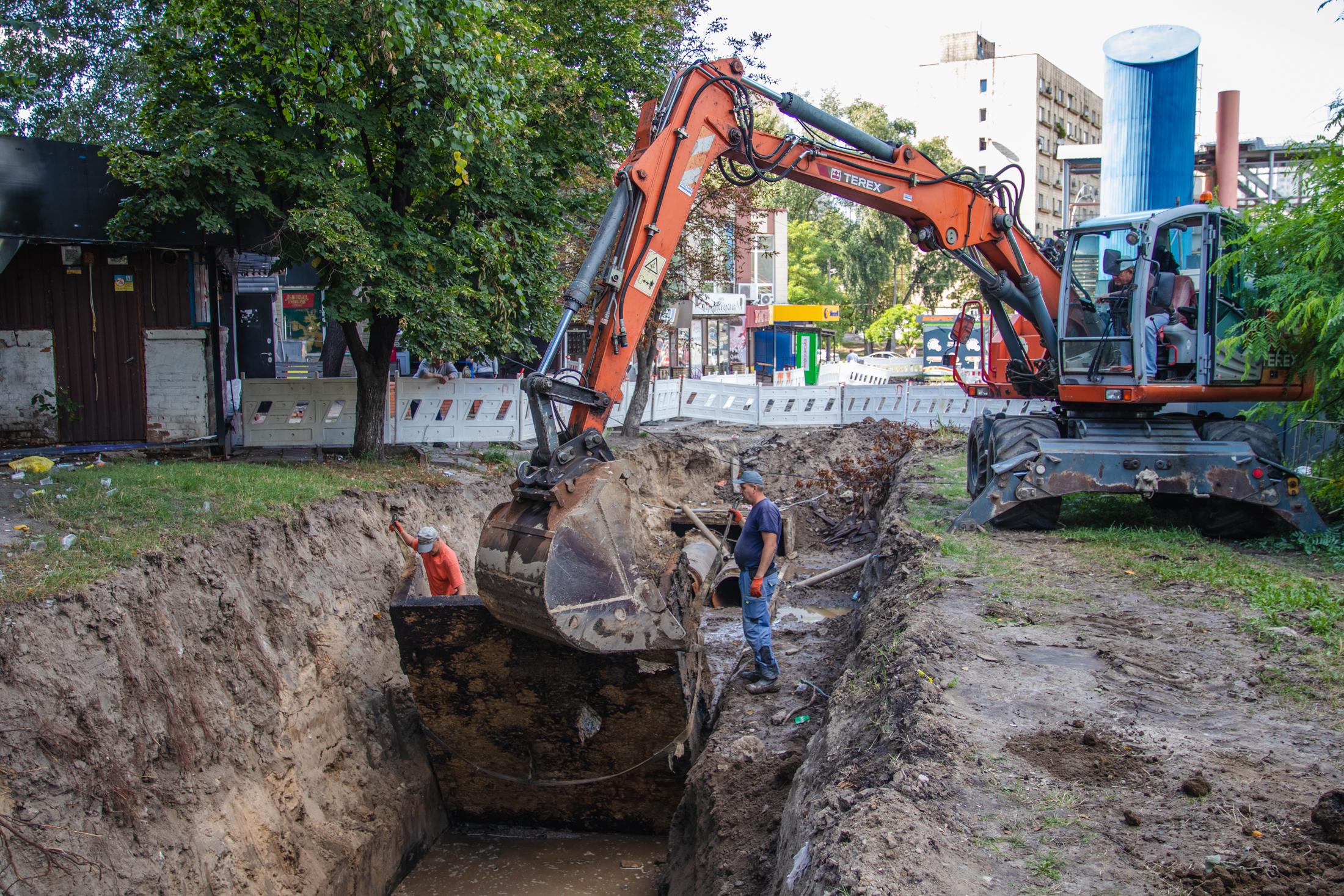 У Києві проводять реконструкцію тепломереж, які пропрацювали більше 60 років