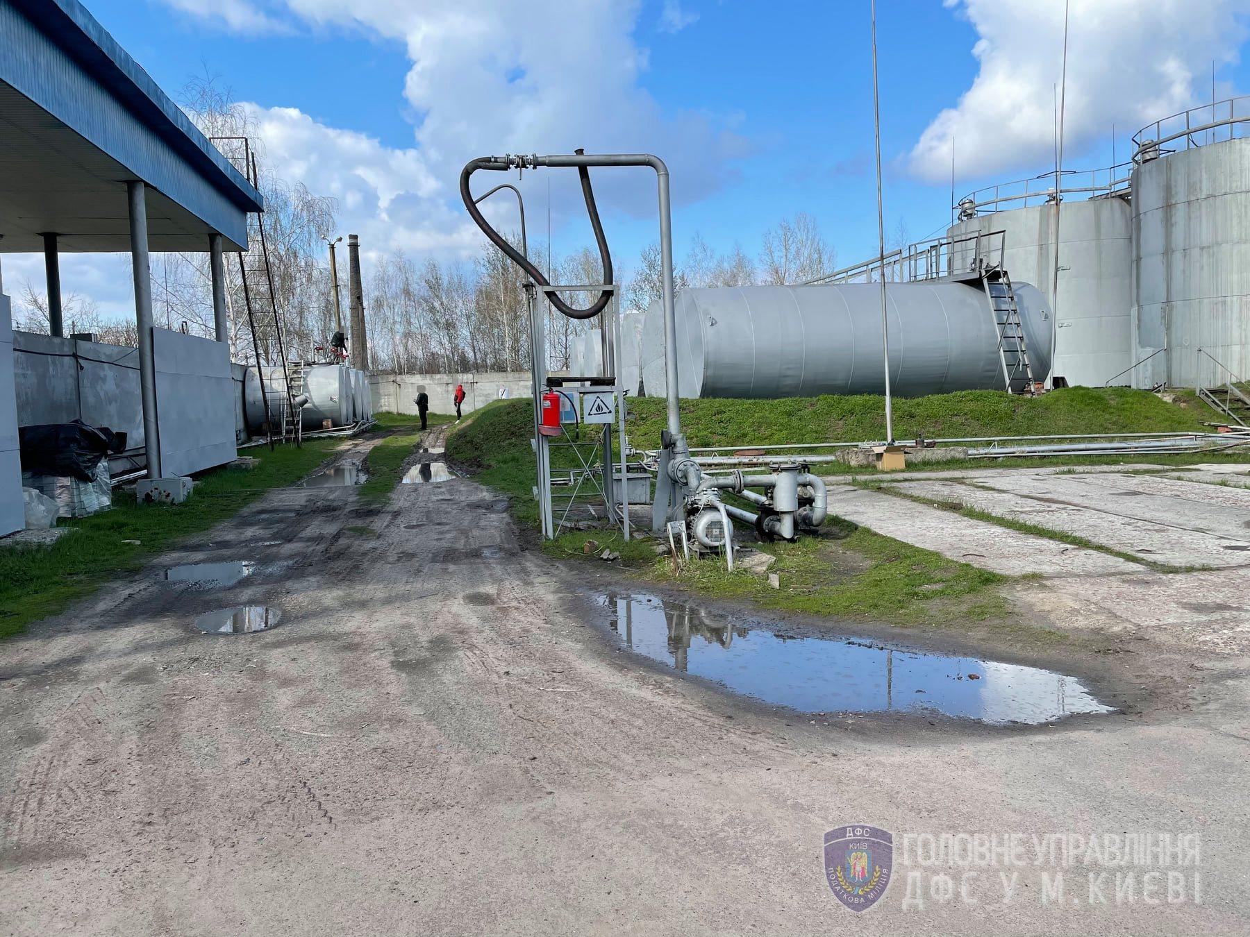 ГФС конфисковала нелегальное топливо на 26 млн грн