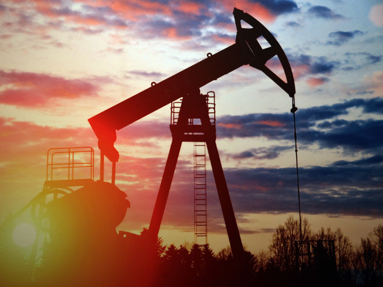 Oil prices go up due to data on US stocks