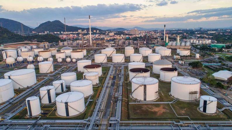 Білорусь може купувати нафту з поставкою через Україну