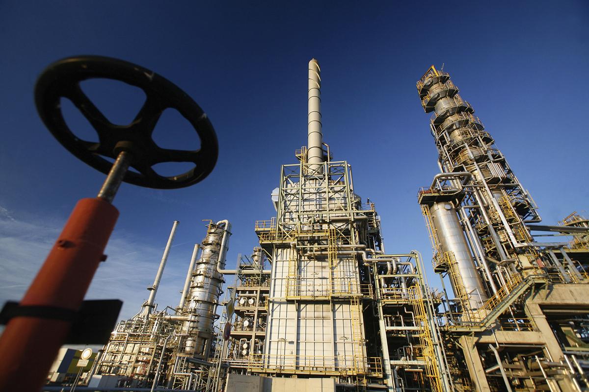 Нефть Brent торгуется выше $77 за баррель