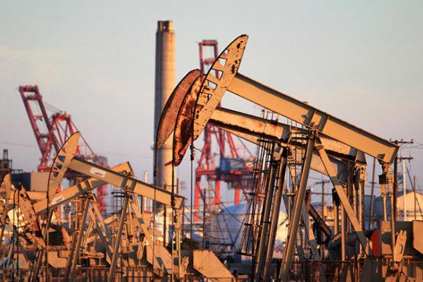 CNBC: Нефть восстанавливается с 18-летних минимумов, США и Россия согласились поговорить