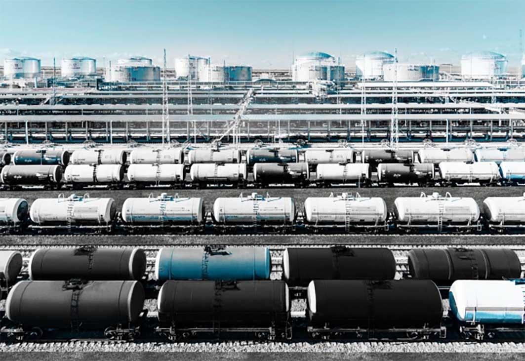 Экспорт российской нефти в дальнее зарубежье резко сократился