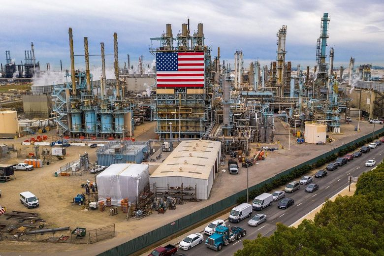 US cuts oil production by 2.3 million barrels per day