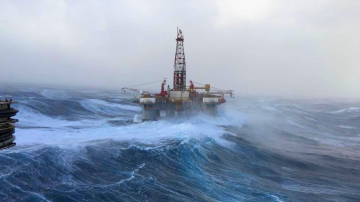 A new hurricane awaits in the Gulf of Mexico: oil prices rise